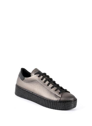 Ayakkabı Sapin